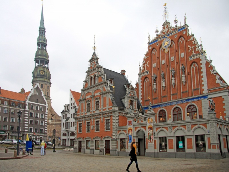 riga_square_central_mtravel_by.jpg